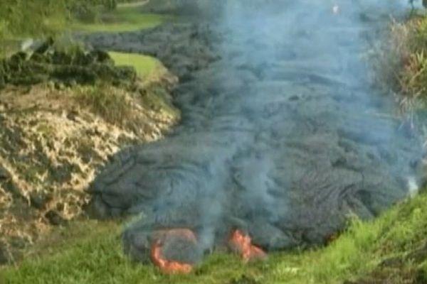 Hawaï : menacés par des coulées de lave, des habitants évacués
