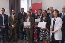 Certificat à la main, Gaston Wadrawane, Cécilia Madeleine, Alexandre Lafargue et Rose Wete.