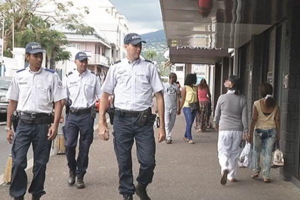 Policiers et adjoints de sécurité