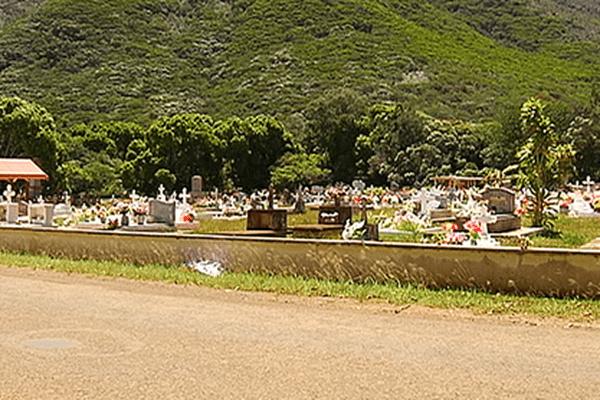 Le cimetière de Thio au sec en janvier 2014