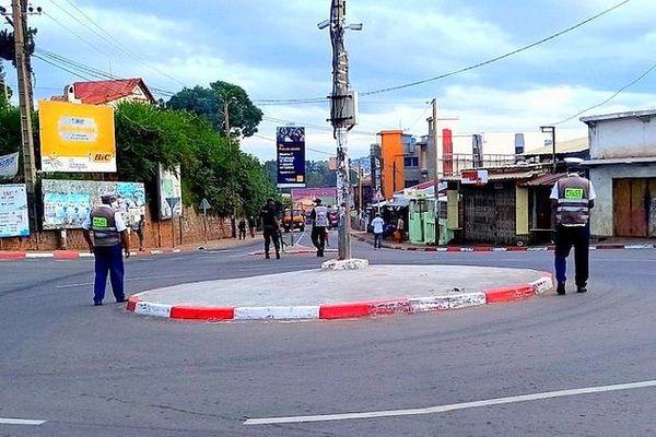 Déploiement des forces de l'ordre à Madagascar pour faire respecter le confinement