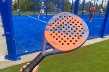 Voici le type de raquette utilisé pour le padel.