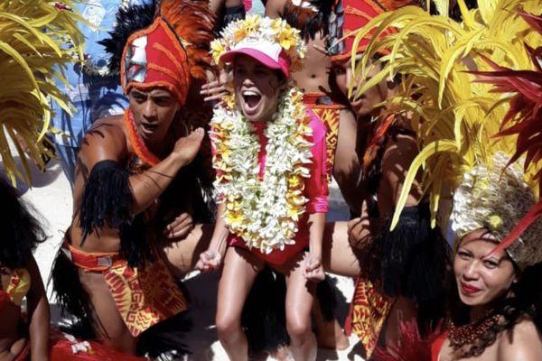 Alexandra à l'arrivée de la traversée Tahaa Bora Bora
