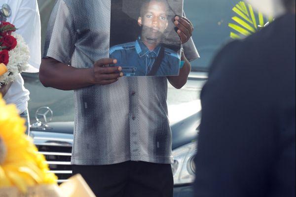 Homme avec photo
