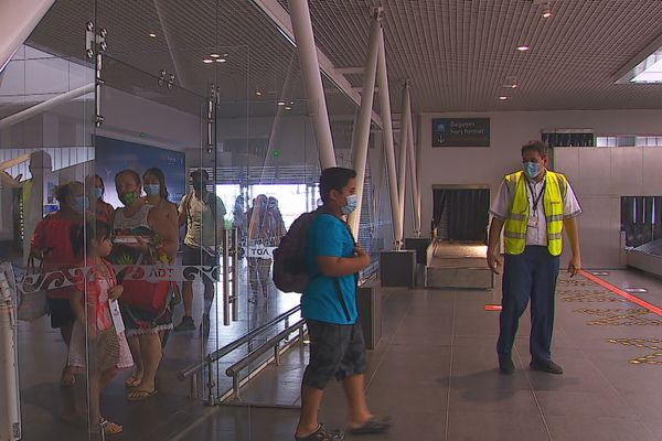 arrivée zone internationale aéroport tahiti