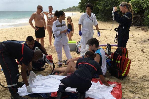 Secours sur la plage
