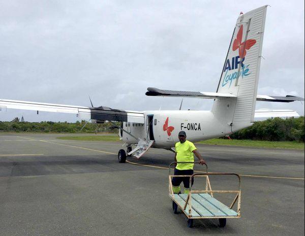 L'avion d'Air Loyauté bloqué à Tiga (1er décembre 2017)