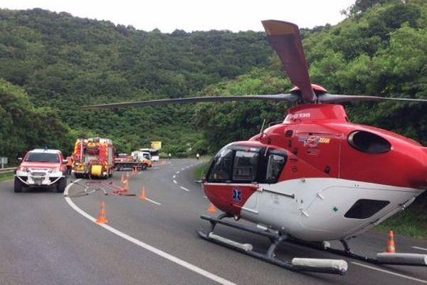 L'hélicoptère en panne sur la RT1