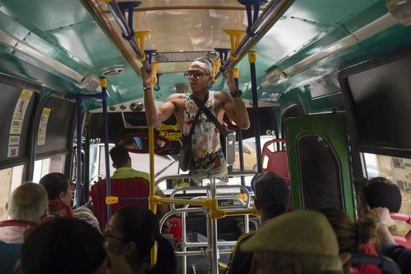 La leçon de vie d'Alca, migrant vénézuelien amputé des deux jambes, parti vivre en Colombie
