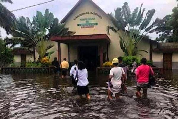 Eglise inondée Betsizaraina