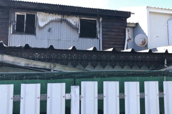 Incendie Plateau-Caillou extérieur maison