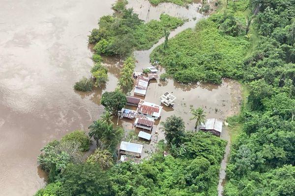 Les villages du Maroni sous les eaux