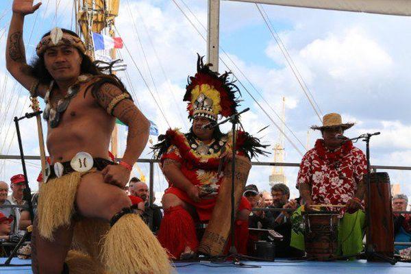 Brest 2016 : les Calédoniens de Lifou enchantent les fêtes maritimes