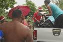 Distribution de cadeaux par le collectif Ohana