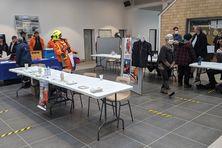 Le premier salon de l'emploi maritime de Saint-Pierre et Miquelon s'est tenu à la gare maritime.