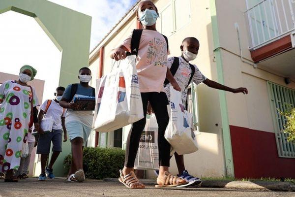 Si la situation continue de s'améliorer à La Réunion, le masque pourrait ne plus être obligatoire à l'école au 4 octobre
