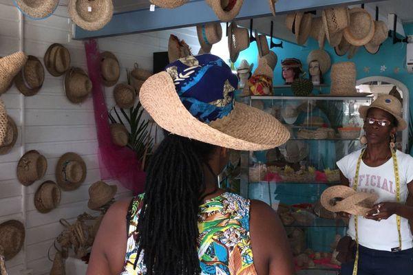 Créatrice chapeaux bakoua