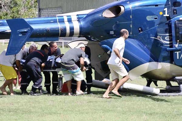 Premier evasan en hélicoptère à Ua Pou
