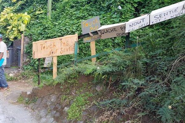 Sentier de Sainte-Suzanne 1