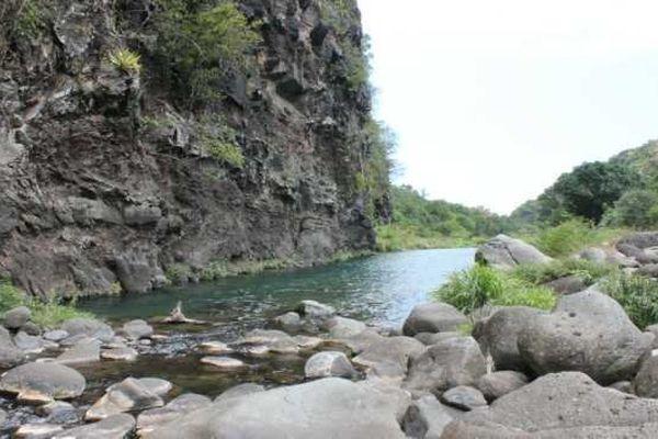 Lit de la rivière des gallets