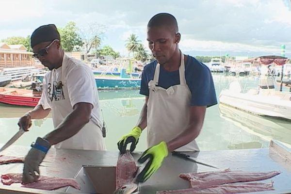 écailleurs de poissons
