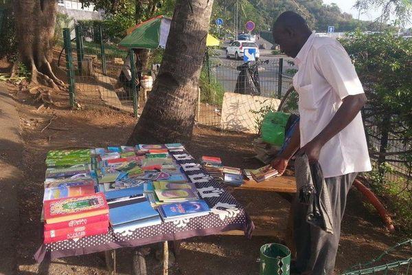 Vendeur Livres Coranniques à Mayotte