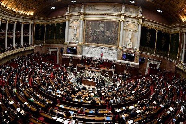 Successions outre-mer: le Parlement valide un texte pour relancer la politique du logement
