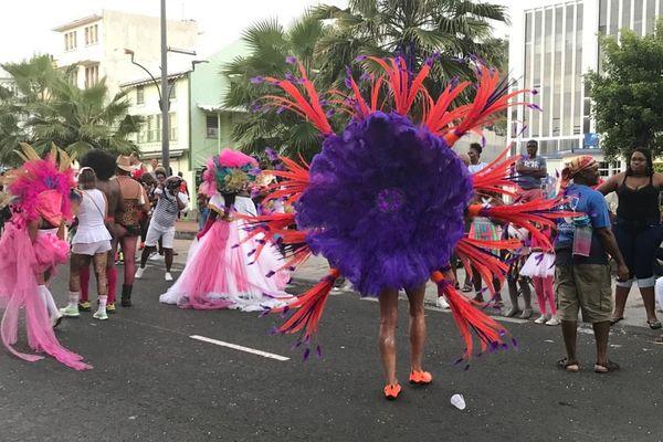 Costumes à plume