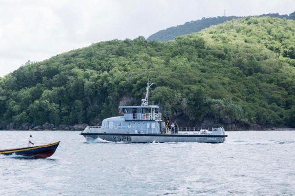 """Chaland Multi-Mission """"la Luciole"""" de la marine nationale de Mtque"""