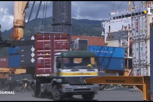Dominique Sorain et Edouard Fritch saluent le travail des dockers