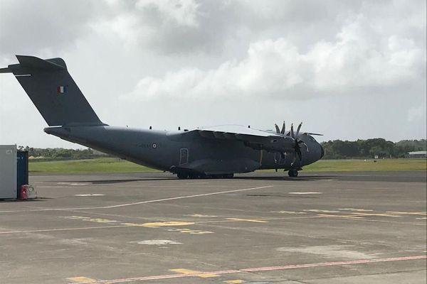 Evacuation sanitaire - avion militaire 1