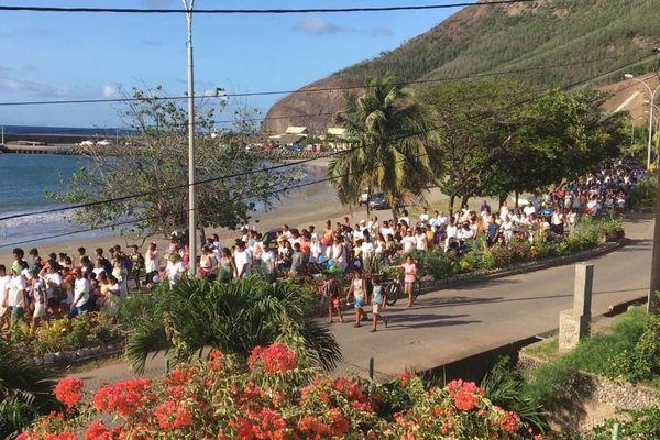 600 personnes dans la rue à Ua Pou