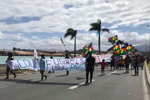 "Manifestation collectid ""Usine du Sud = usine pays"""