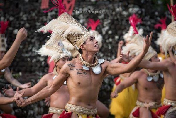 Ori I Tahiti : magie et beauté  sur le Marae !