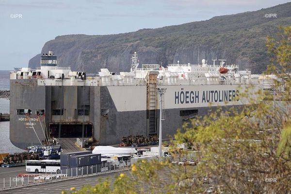 """Le """"Hoegh Autoliners"""" était bloqué au Port pour cause de suspicion de Coronarivus"""