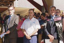 A droite de la photo, Bruce Shepherd, en mars 2019, lors de l'hommage à Nouméa après les attaques de Christchurch.