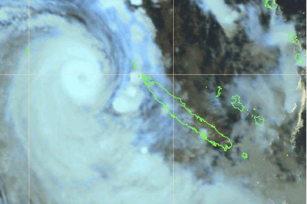 Cyclone Niran 7 heures samedi 6 mars