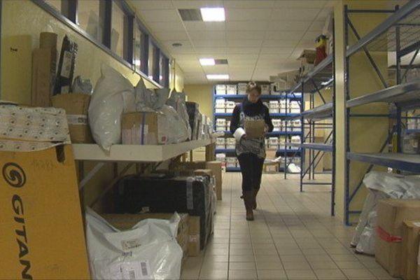 Les colis arrivent en nombre à la Poste de Saint-Pierre et Miquelon