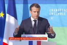 """Emmanuel Macron lors du discours de présentation de la """"Programmation pluriannuelle de l'énergie"""" le 27 novembre 2018, au palais de l'Elysée"""