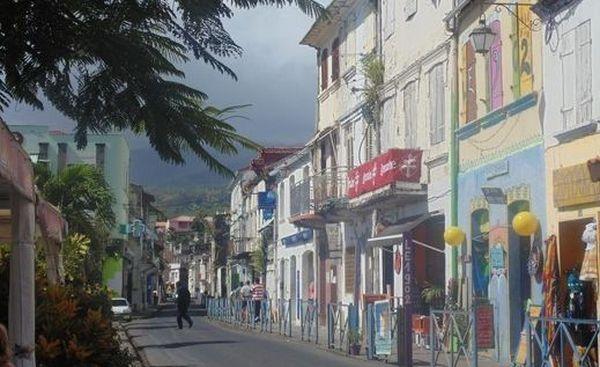 Les façades de Saint-Pierre en Martinique