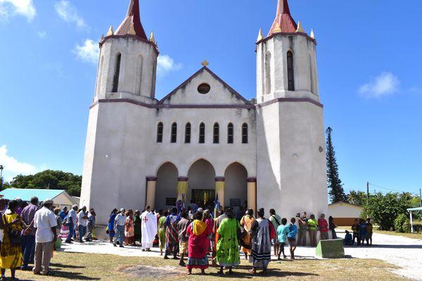 Avant l'office à l'église de Saint-Michel