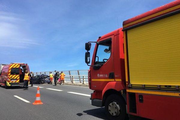 accident 4 voies Saint-Paul viaduc route Tamarins 140120
