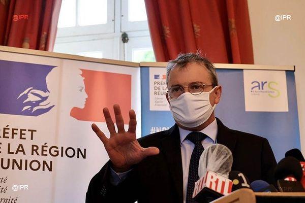 Le préfet, Jacques Billant.