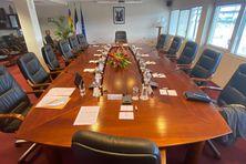La salle dédiée aux séances collégiales du gouvernement calédonien.