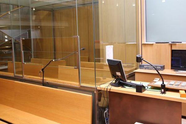 Procès en appel de Ruddy Alexis : le box des accusés, vide