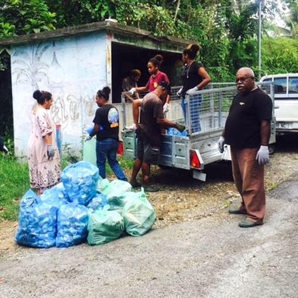 Nettoyage de début d'année à Poindimié