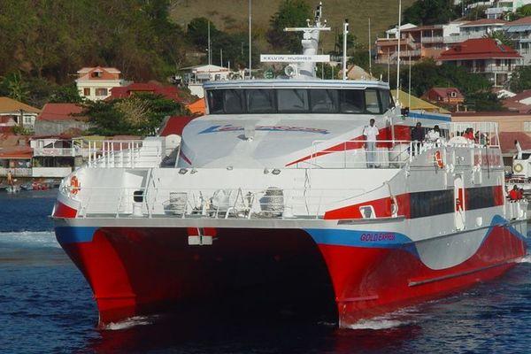 Bateau Express des îles