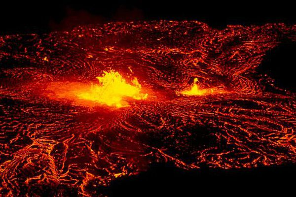 1 700 habitants de big island évacués suite à l'éruption du Kilauea