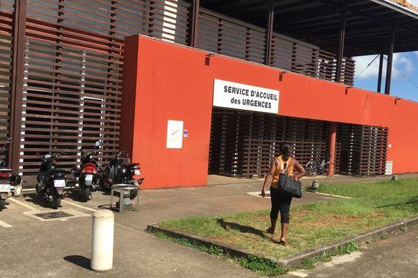 Onze signatures de contrats aux urgences de Cayenne