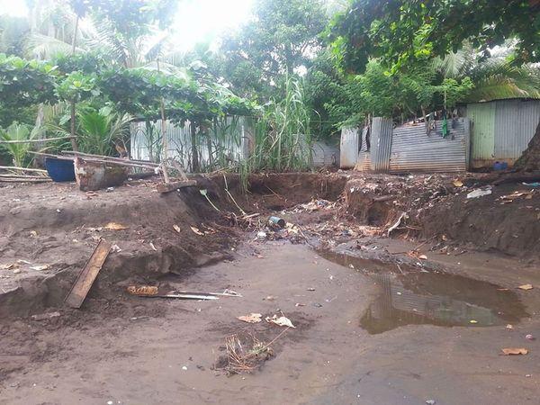 Hamouro, des bidonvilles les pieds dans l'eau